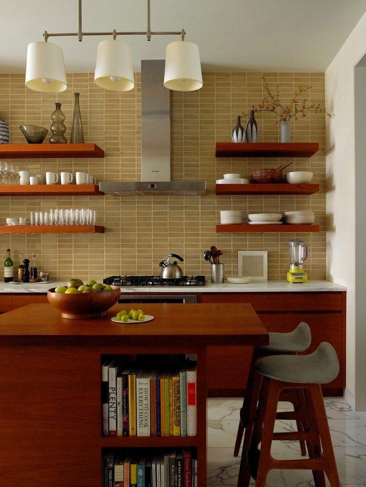 этом кухни с полками вместо навесных шкафов фото сотейник наливаем воду