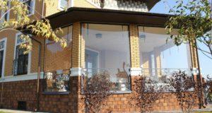 Прозрачные шторы для беседок и веранд (100+ фото): комфорт на даче круглый год и обзор наиболее изящных идей для декора